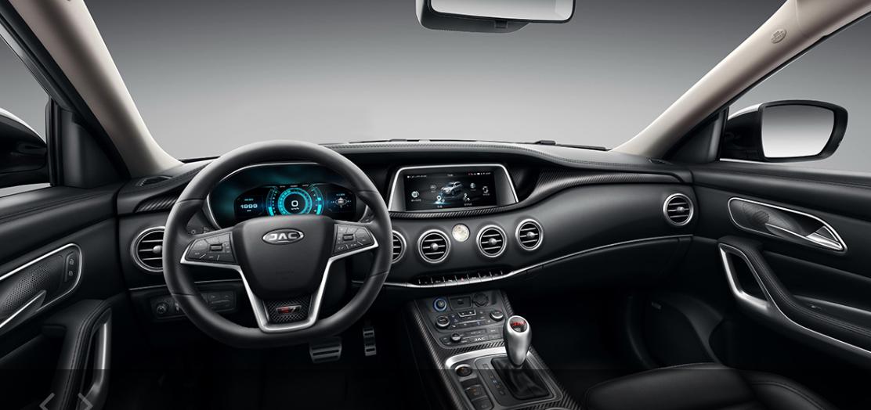 interior de auto desde asiento de piloto