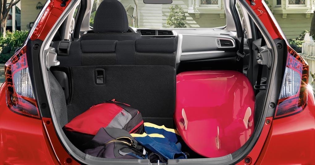 Honda Fit 2019 Vista panorámica del interior