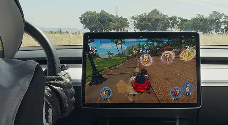 pantalla de auto Tesla