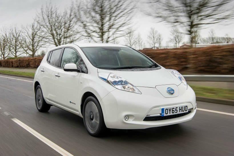 Nissan Leaf rodando