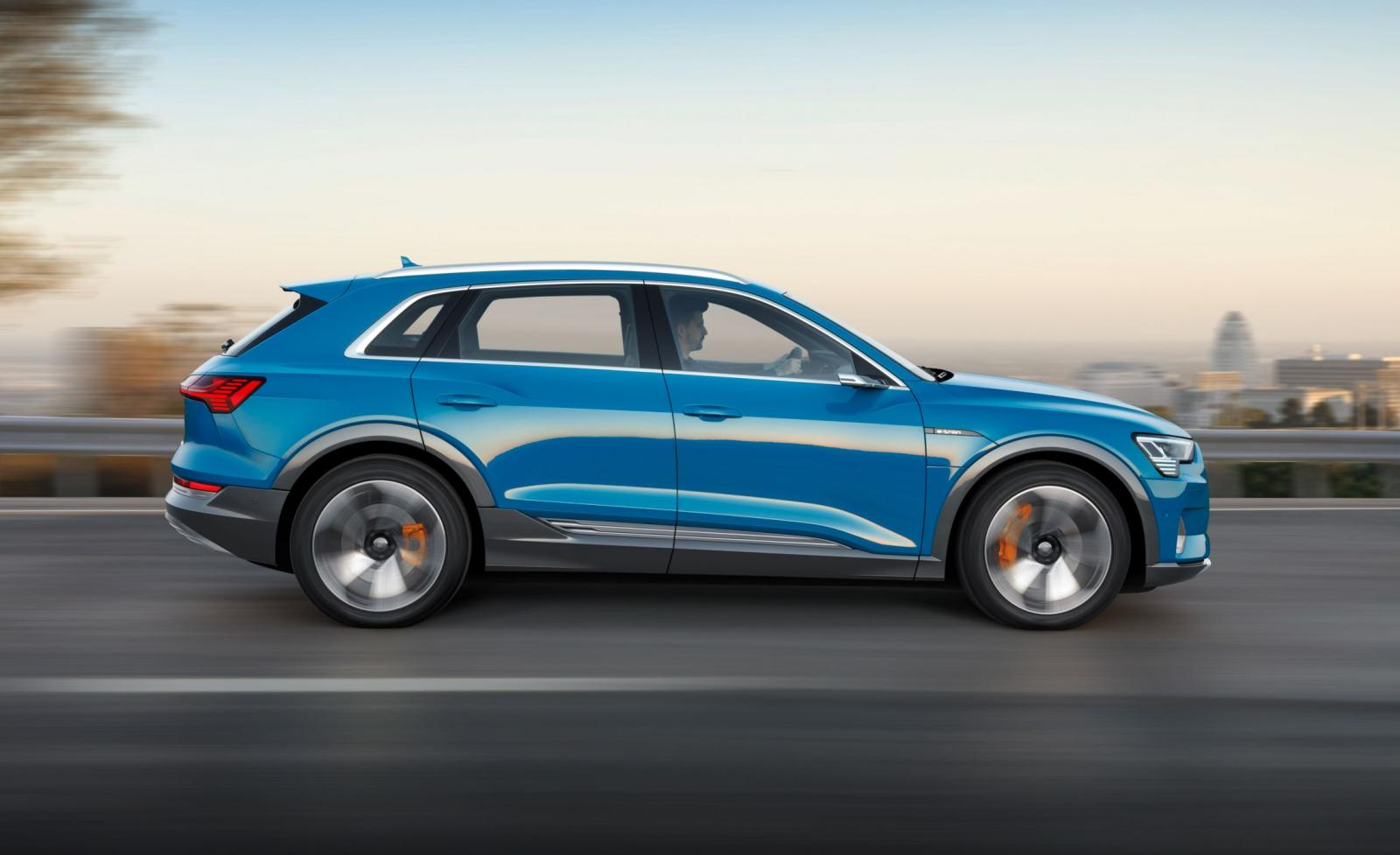 Audi E-Tron carretera