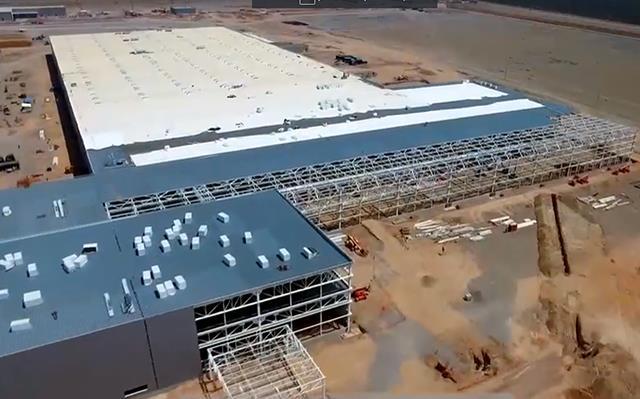 Construcción de planta automotriz