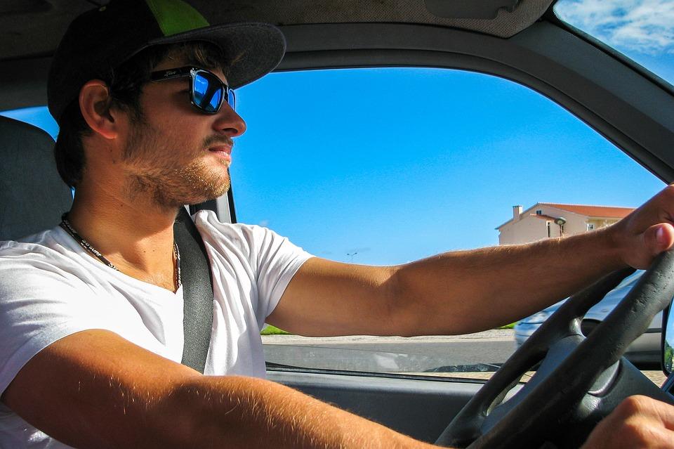 Conducción frente al sol