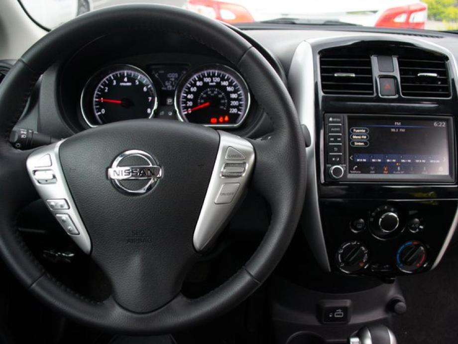 Volante del Nissan Versa Exclusive