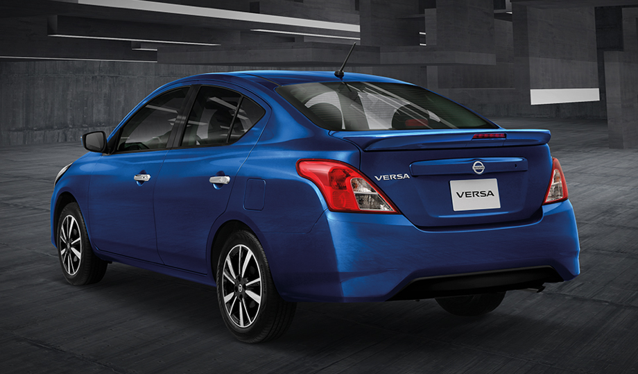 Nissan Versa Exclusive azul cobalto
