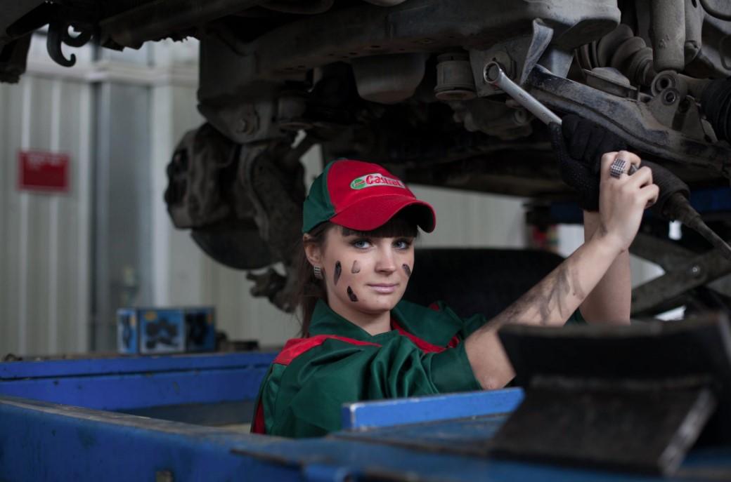 checar y cambiar aceite de auto