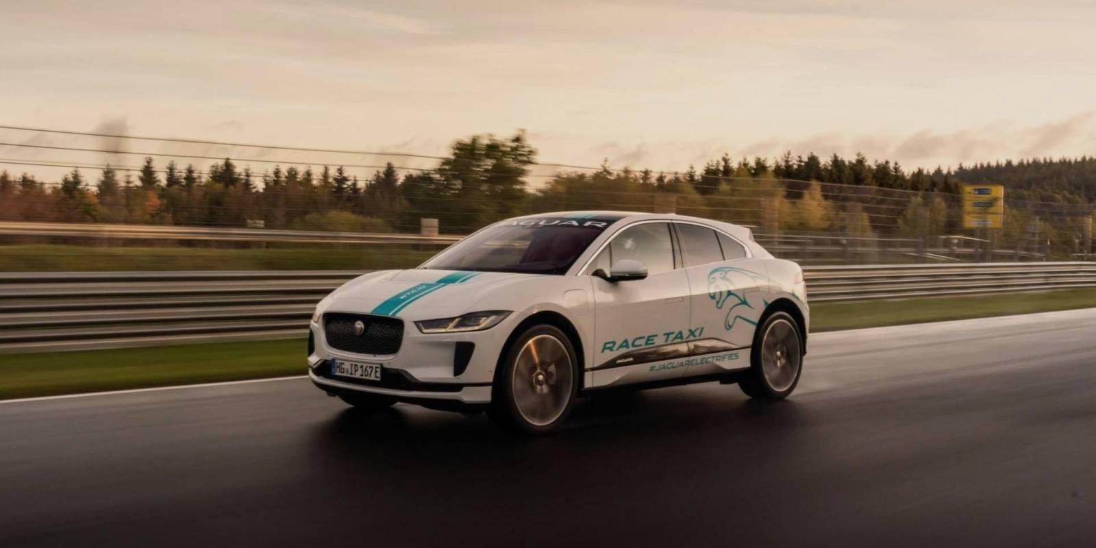 Jaguar Race eTaxi en pista