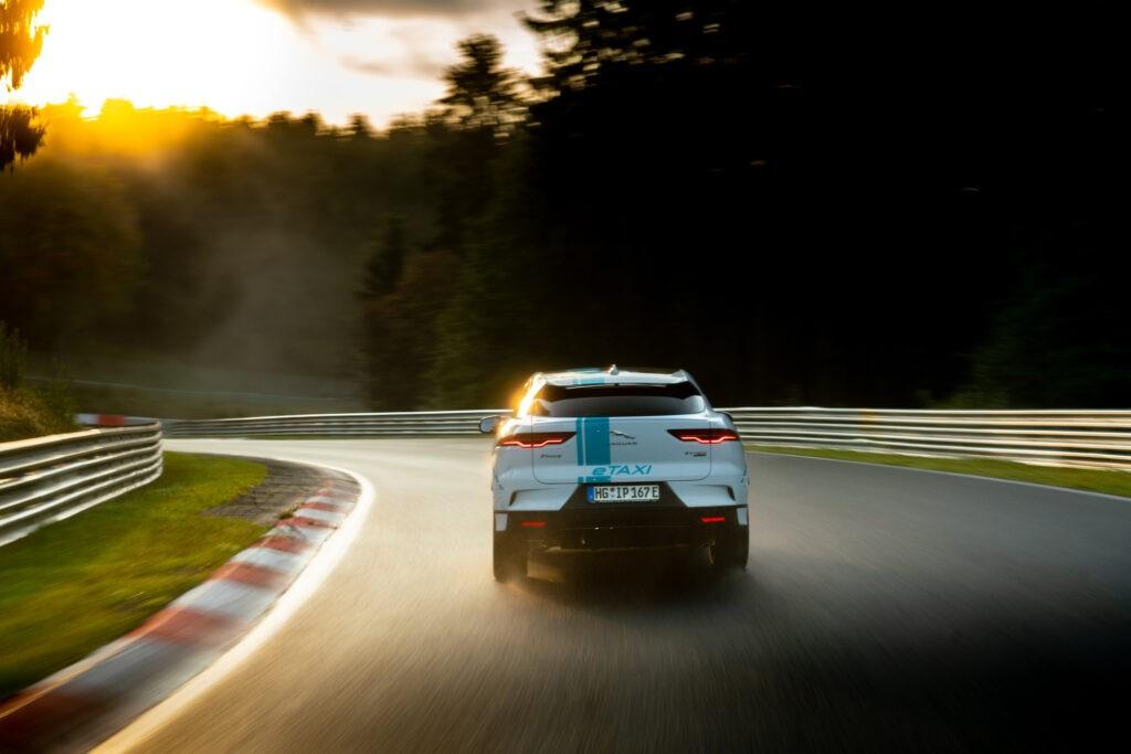 Jaguar Race Taxi en autódromo