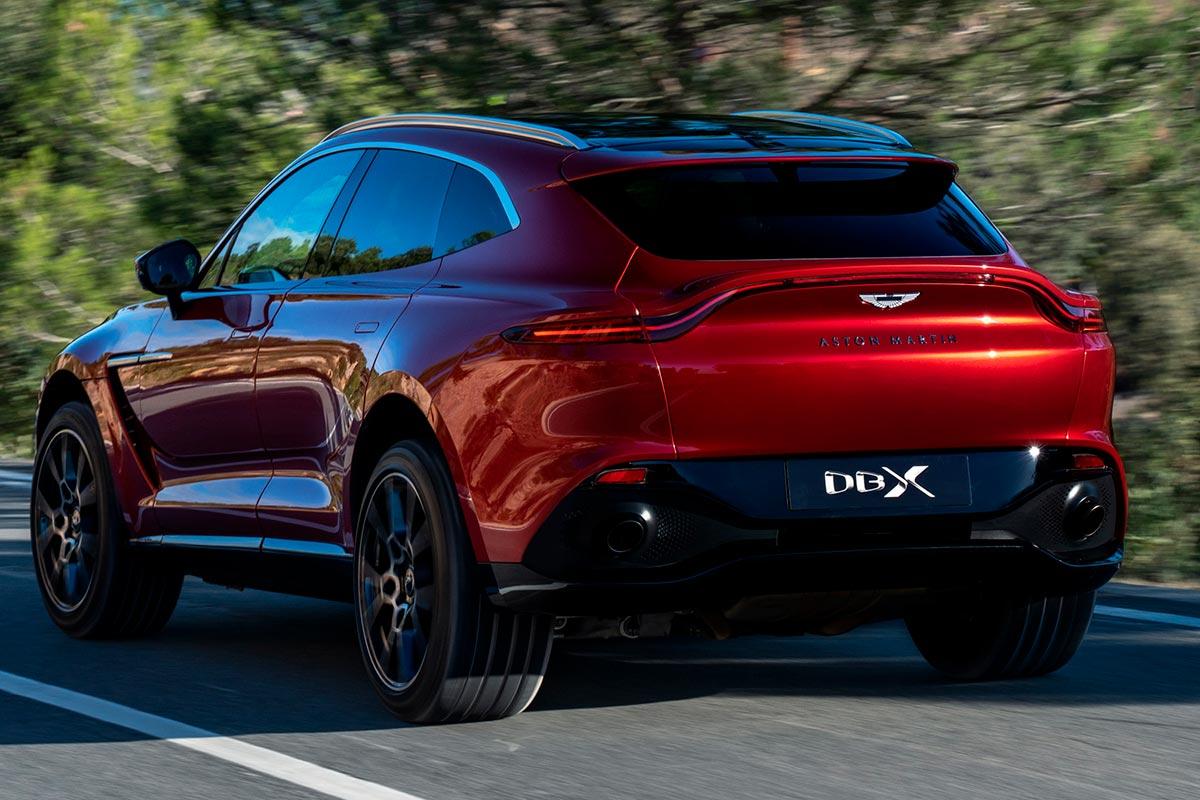 Debut De La Aston Martin DBX En El Auto Show De Los Ángeles