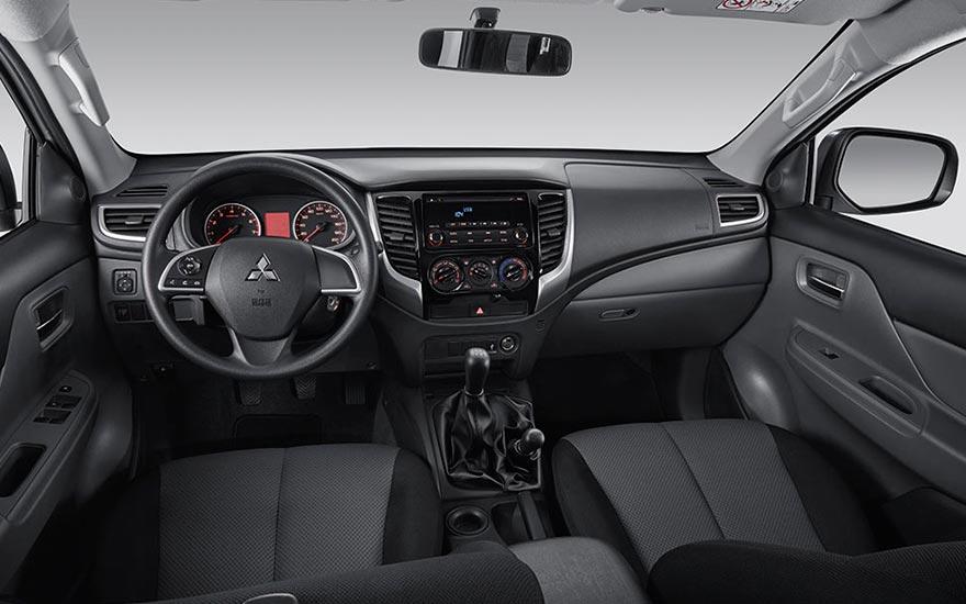 Interior de la Mitsubishi L200 GLS