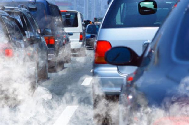 Autos contaminando