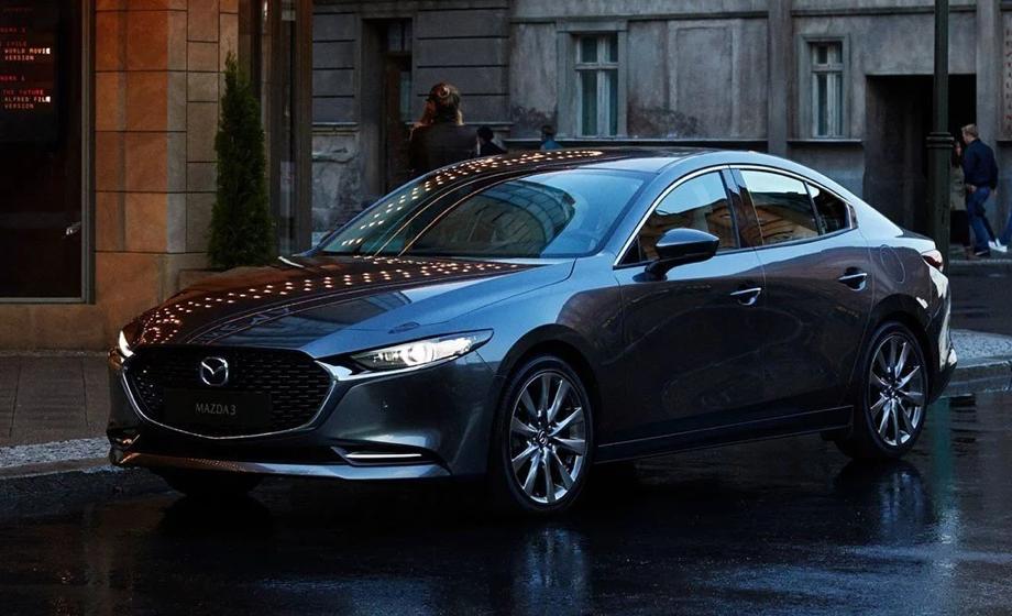 Mazda 3 Sedán i 2019