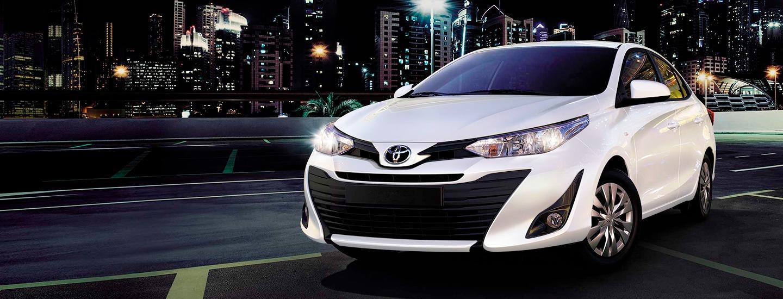 Toyota Yaris Sedán S