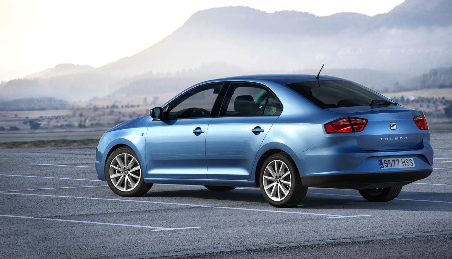 SEAT Toledo Reference azul