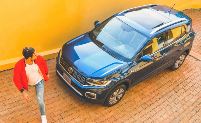 Volkswagen T-Cross en patio