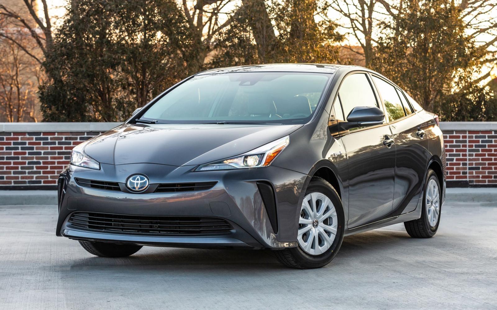 2020 Toyota Prius Pictures Pictures