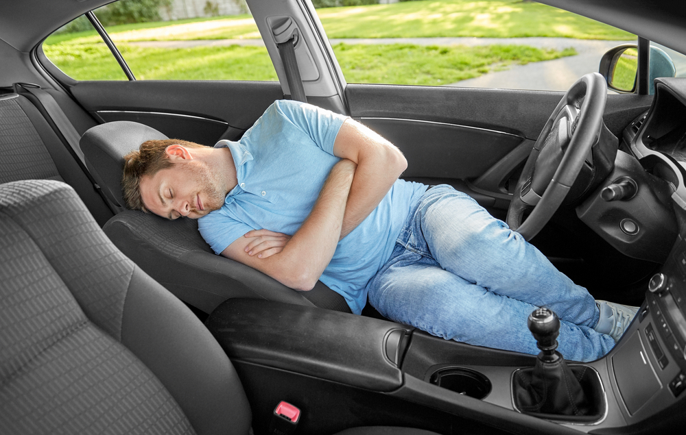 dormir en el auto
