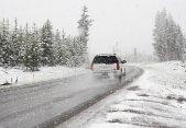Cómo conducir si te sorprende una helada o nevada