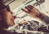 Conducir deshidratado, ¿tan peligroso como hacerlo ebrio?