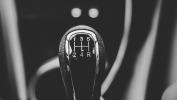 /conduccion/quieres-mejorar-la-seguridad-de-tu-auto-adquiere-uno-con-transmision-manual-ta1066