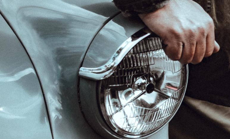 ¿Cómo limpiar los faros de tu auto?