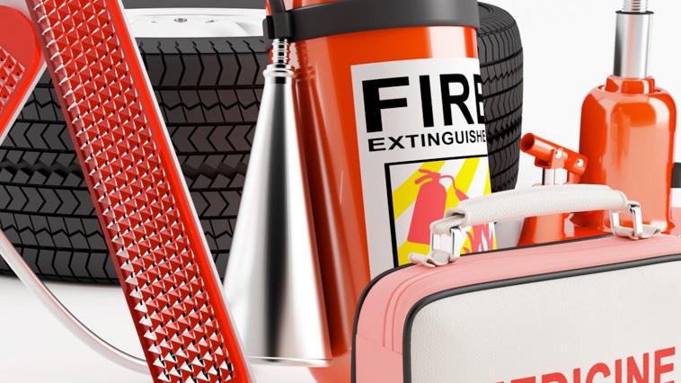 Tips: ¿Qué debe tener el equipo de emergencia de tu auto?