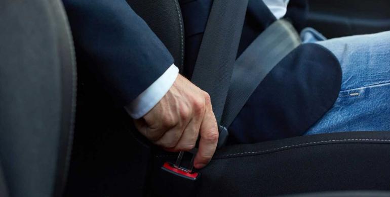 Recomendaciones sobre el uso del cinturón de seguridad