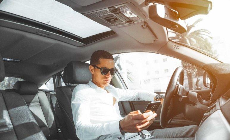 Consejos para no ser conductores tontos en autos inteligentes