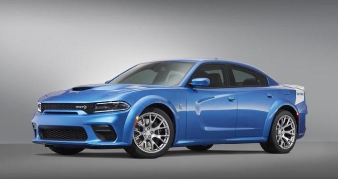 Dodge presenta su Charger SRT Hellcat Widebody Daytona 50th Anniversary