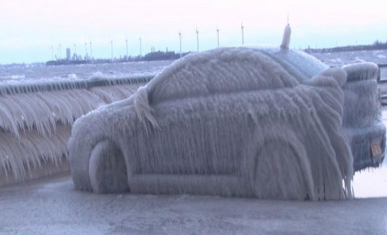 Cómo eliminar escarcha y hielo de tu automóvil