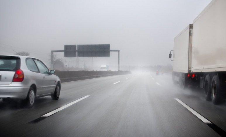Consejos para conducir con vientos fuertes
