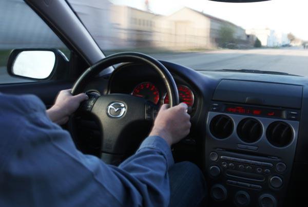 Razones por las que se pueden sentir vibraciones en el volante