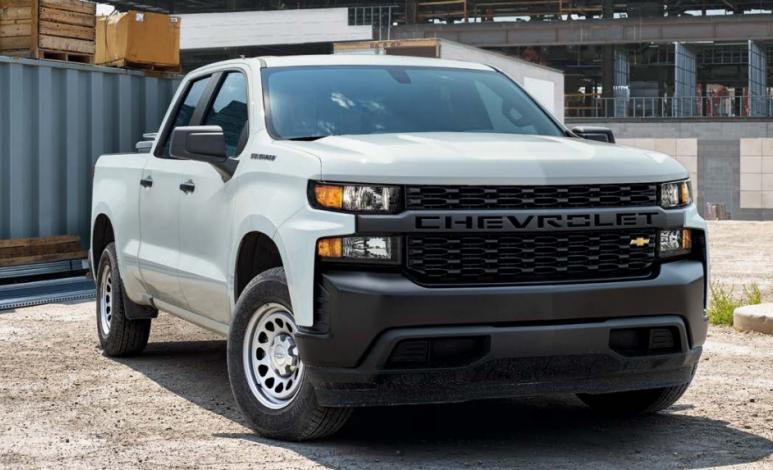 Comparativa: Chevrolet Silverado Doble Cabina 4x4 2020 vs RAM 2500 SLT Crew Cab 4x4 2019