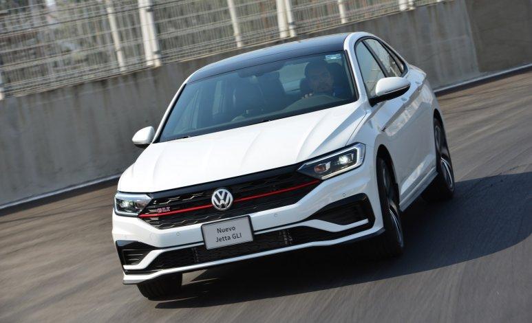 Volkswagen Jetta GLI 2020: Pros y contras
