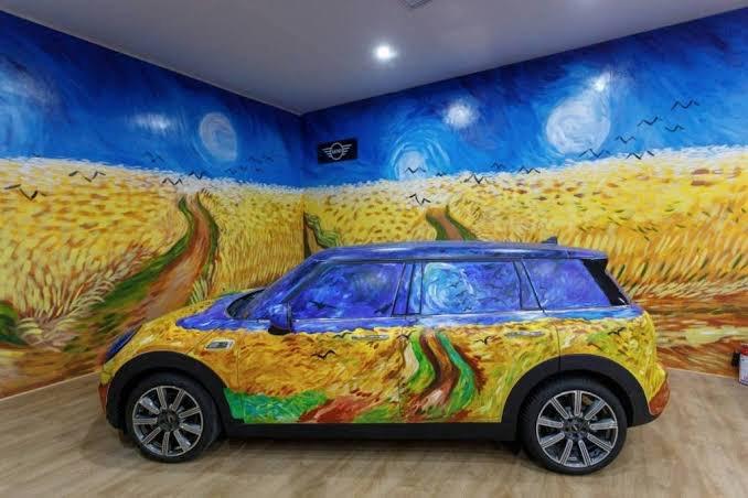 """Mini se integra a la exhibición """"Van Gogh Alive, The Experience"""" en Ciudad de México"""