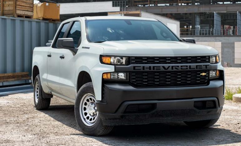 Comparativa: Chevrolet Silverado Doble Cabina 4x2 2020 vs RAM Hemi Sport Crew Cab 4x4 2019