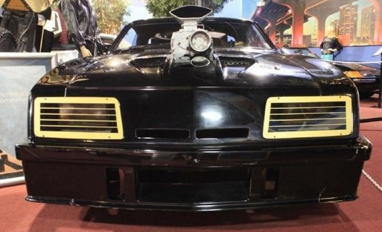 """El Ford Falcon """"Pursuit Special"""" de Mad Max está a la venta"""