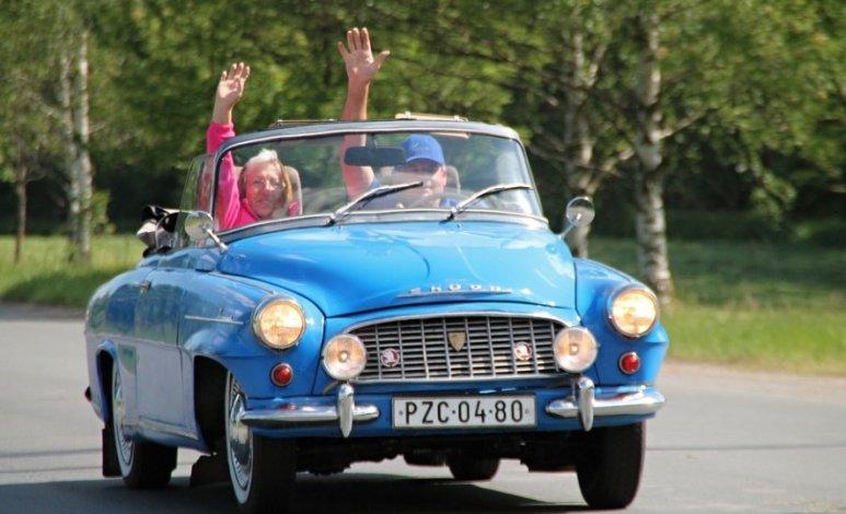 Características que debe tener un auto para adultos mayores