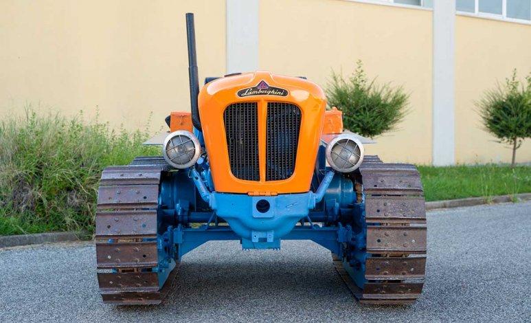 Tractor Lamborghini original de 1965 en subasta