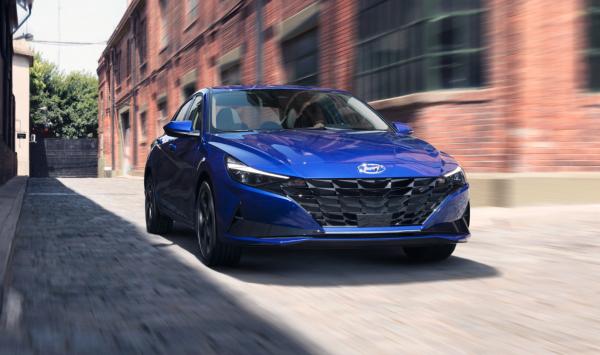 Hyundai revela la nueva generación de su sedán Elantra