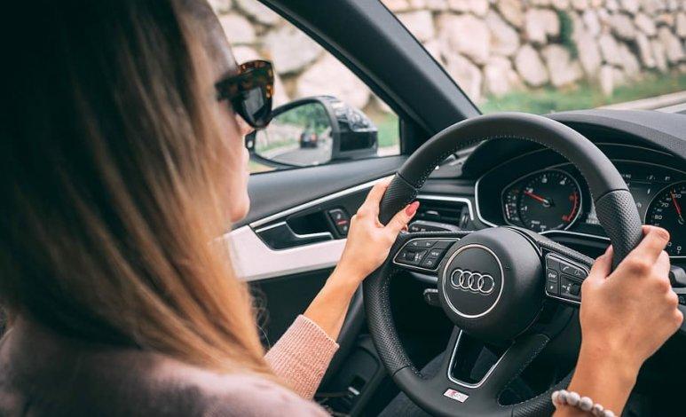 Consejos para tomar de forma correcta el volante