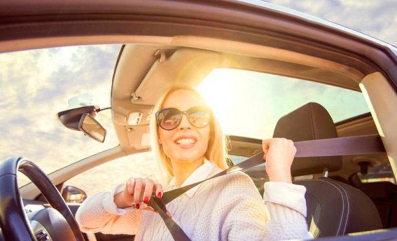 Estos puntos son importantes para conducir bajo el sol