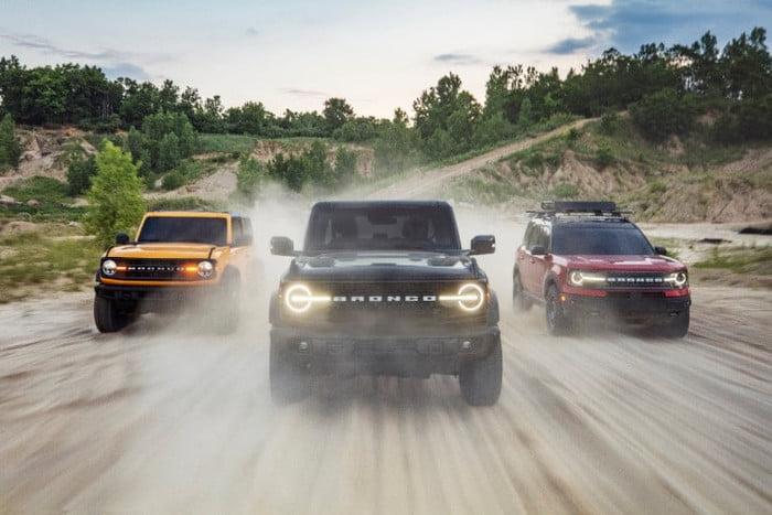 Ford Bronco Vs. Jeep Wrangler en tres puntos
