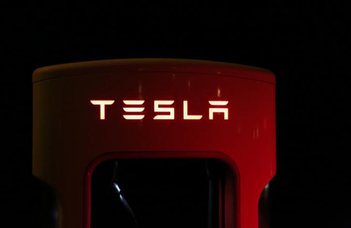 Cómo adquirir un Tesla sin hacer filas virtuales