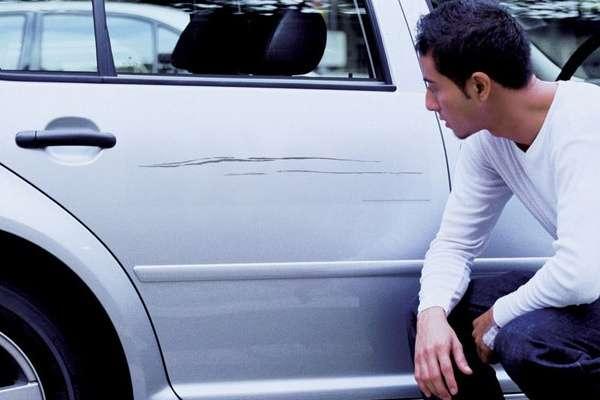 Tips para deshacerte de los rayones de tu auto