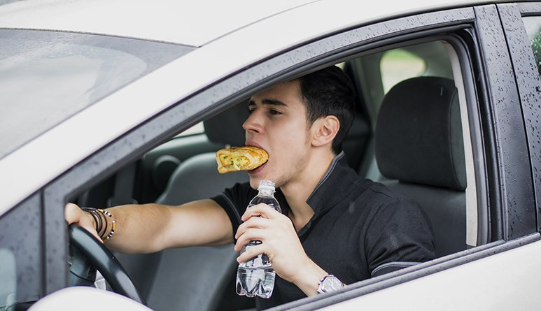 Qué debes comer durante un viaje largo