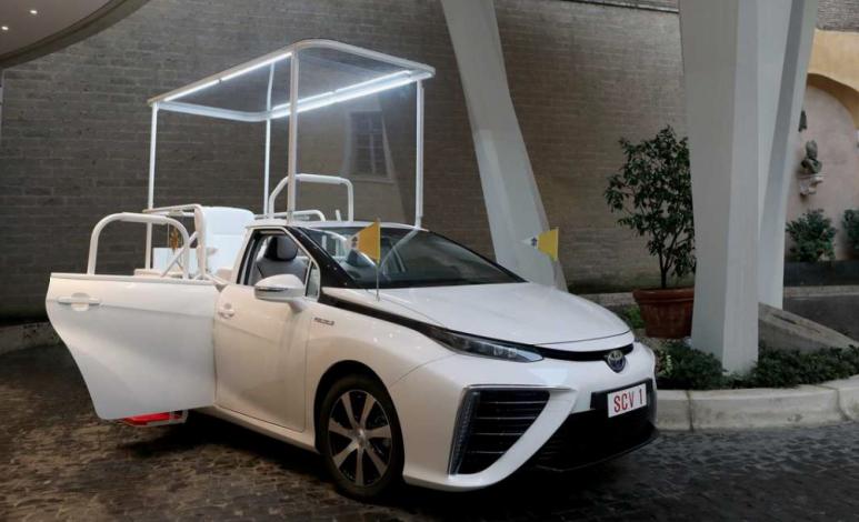 Toyota Mirai, el Papamóvil de cero emisiones