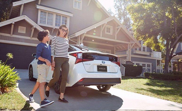 ¿Por qué la gente decide quedarse años con sus autos?