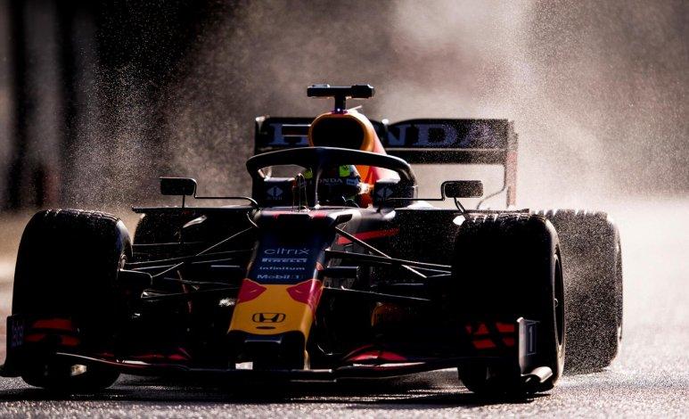 Conoce el nuevo auto y casco de Sergio Pérez