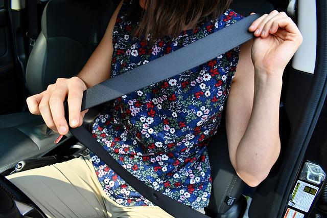 Cómo surgió el cinturón de seguridad